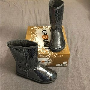 New Unr8ted Mid-calf Grey Sequin Boots woman's 7